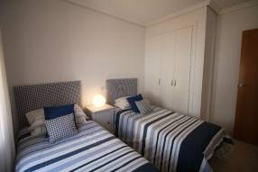 Comfortable & Stylish 2 Bedroom Apartment (7)