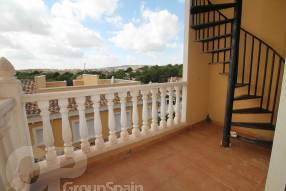 Two Bedroom Townhouse with Garage (8)