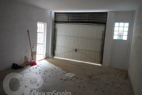 Two Bedroom Townhouse with Garage (10)