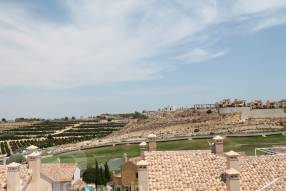 Top Floor Apartment with Golf Course Views (12)
