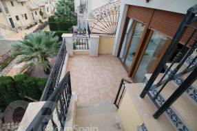 Top Floor Apartment with Golf Course Views (10)