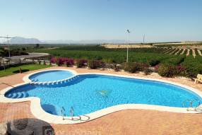 Top Floor Apartment with Golf Course Views (13)