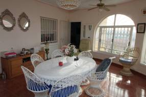 5 Bedroom 2 Bathroom Detached Villa (3)