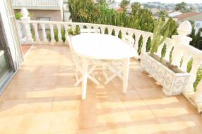 5 Bedroom 2 Bathroom Detached Villa (8)