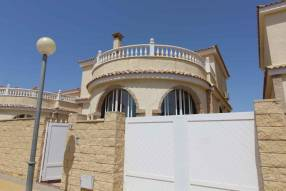 5 Bedroom 3 Bathroom Detached Villa (1)