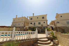 5 Bedroom 3 Bathroom Detached Villa (2)