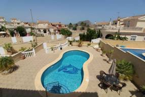 5 Bedroom 3 Bathroom Detached Villa (21)