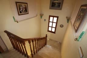 5 Bedroom 2 Bathroom Villa (16)