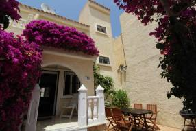Beautiful and sunny family townhouse with 2 bedrooms and 2 bathrooms (0)