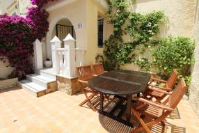 Beautiful and sunny family townhouse with 2 bedrooms and 2 bathrooms (1)