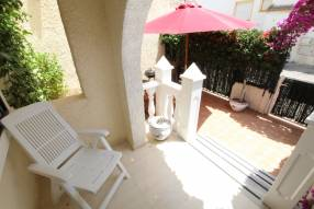 Beautiful and sunny family townhouse with 2 bedrooms and 2 bathrooms (2)