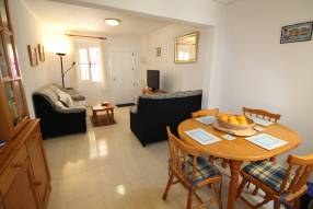 Beautiful and sunny family townhouse with 2 bedrooms and 2 bathrooms (4)