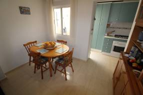 Beautiful and sunny family townhouse with 2 bedrooms and 2 bathrooms (5)