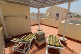 Beautiful and sunny family townhouse with 2 bedrooms and 2 bathrooms (14)