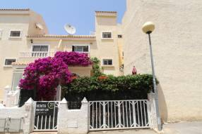 Beautiful and sunny family townhouse with 2 bedrooms and 2 bathrooms (17)