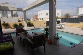A wonderful modern Villa (3)