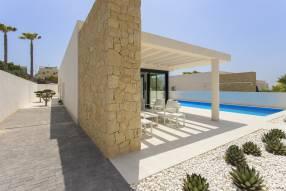 Modern luxury villa with heated pool (14)