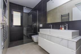 Modern luxury villa with heated pool (13)