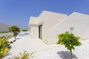Modern luxury villa with heated pool (15)