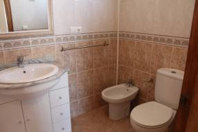 3 Bedroom 2 Bathroom Corner House (16)