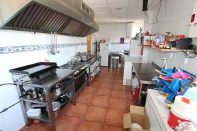 Restaurant/Bar to Lease (6)