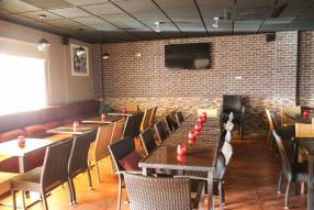 Restaurant/Bar to Lease (3)