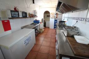 Restaurant/Bar to Lease (7)