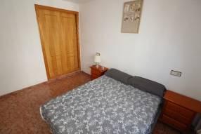 A 3 bedroom 1 bathroom apartment  (10)