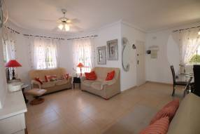 Beautiful detached villa on one level (5)