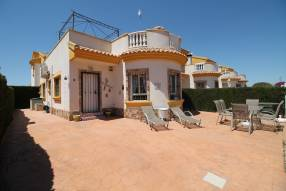 Beautiful detached villa on one level (0)
