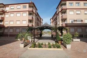 Attractive Corner Apartment (10)