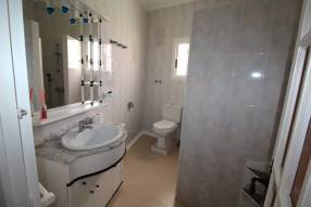 3 Bedroom 2 Bathroom with Guest House (24)