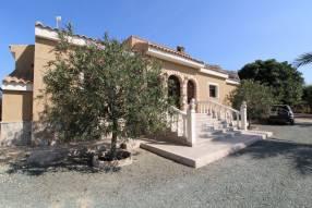 Stunning Finca Style Villa (28)