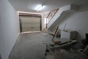 End of terrace with garage (13)