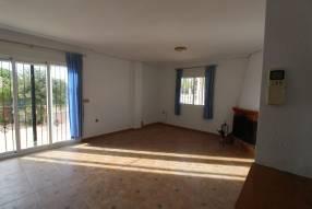 Detached 3 bedroom 2 bathroom villa  (5)