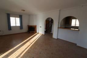 Detached 3 bedroom 2 bathroom villa  (7)