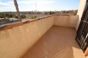 Detached 3 bedroom 2 bathroom villa  (24)