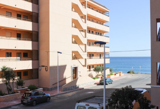 Fantastic opportunity - renovation project next to the beach in La Mata