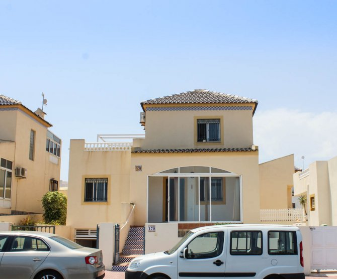 Lovely detached villa in Los Altos
