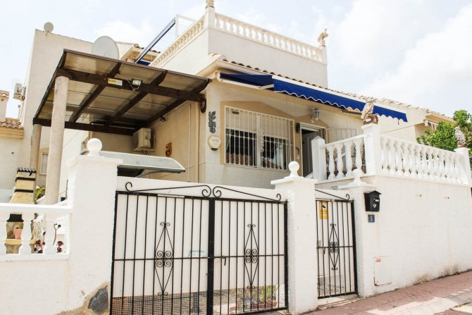 Det villa, community pool only 5 mins walk to amenities, 2 mins drive to aquapark