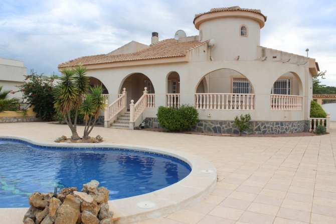 Spacious villa with fabulous views and ample off-road parking in Ciudad Quesada