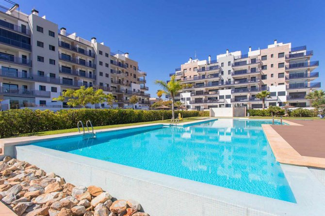 Stunning penthouse apartments with fabulous sea views walkable to the beach