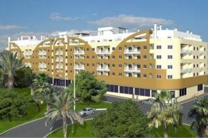 Superbly equipped 2 bed apartments within walking distance to the beach