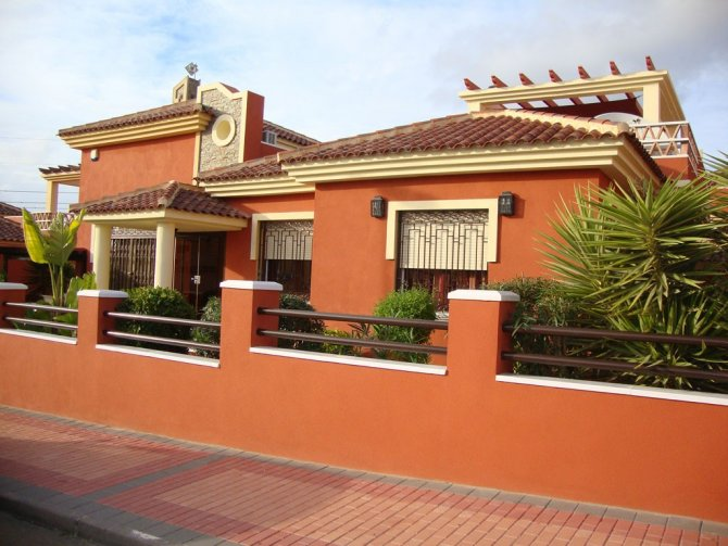 Well presented, spacious 3 bed 2 bath villa with private pool