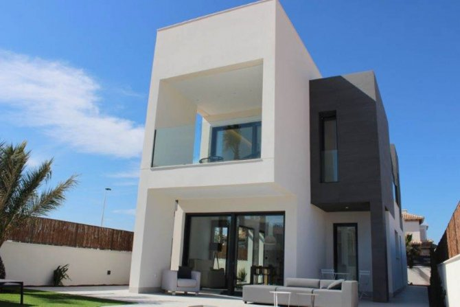 Stunning new build villas with private pool and sea views