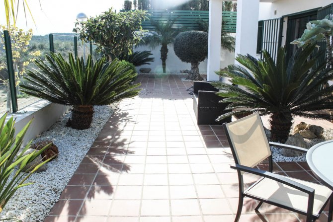 Attractive villa & apartment, stunning views to Guardamar and room for private pool
