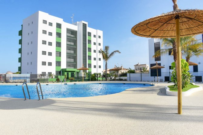 Beautiful brand new apartments only a 10 minute walk to the beach