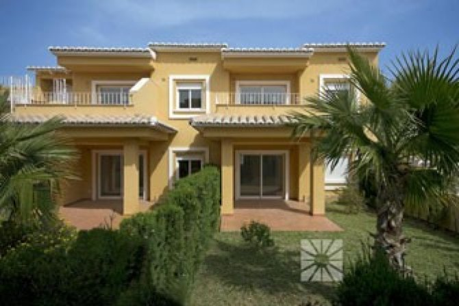 2 bed semi-detached apartments with communal pool