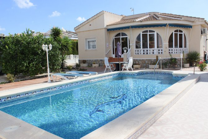 Superb 3 bed 2 bath Villa with private pool and summer kitchen on 600m2 plot