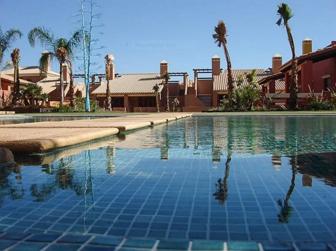 400m to the beach apartments with communal pool, gardens, sports area and water-sports club,